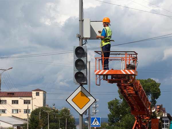 Монтаж дорожных светофоров